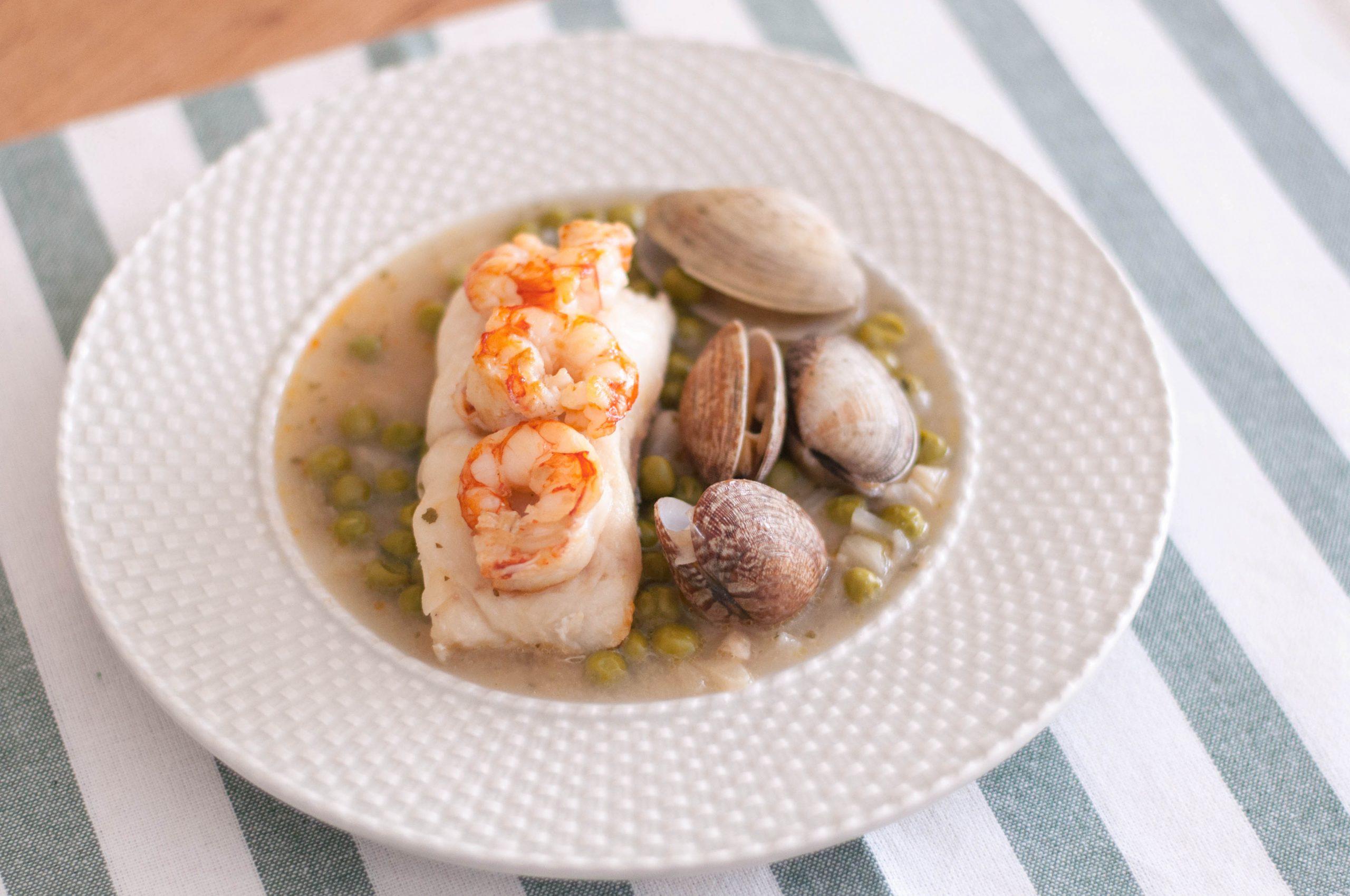 receta merluza con almejas y langostinos